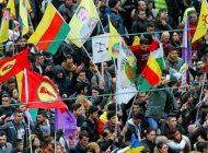 İki yüzlü Almanya'da PKK yürüyüş düzenledi