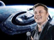 Elon Musk, Space X Uzay Kıyafetlerini Tanıttı