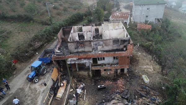 Yangında evi küle dönen aile yardım bekliyor