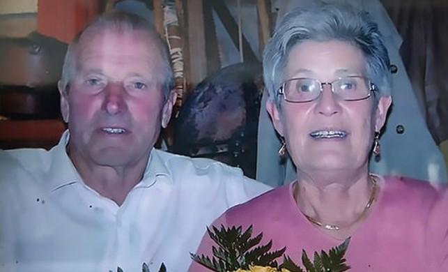 60 yıllık evli çift koronavirüsten iki saat arayla öldü