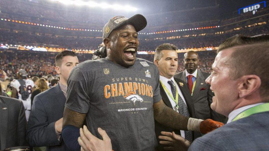 NFL'in yıldız ismi Von Miller'ın corona virüsü testi pozitif çıktı: 'Şoktayım…'